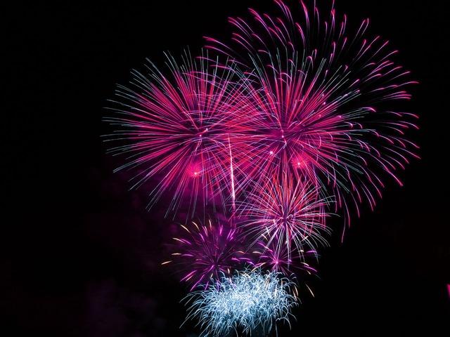 fireworks-1759_640